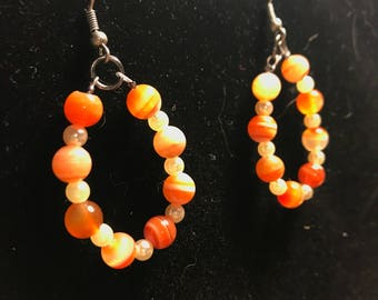 Orange beaded earrings // teardrop earrings // orange and cream earrings (Jessica)