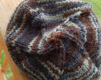 Knit Gray striped beanie