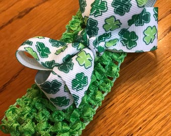 St. Patricks Day headband with mini boutique bow, infant or toddler headband, Irish, Clovers, Green and White