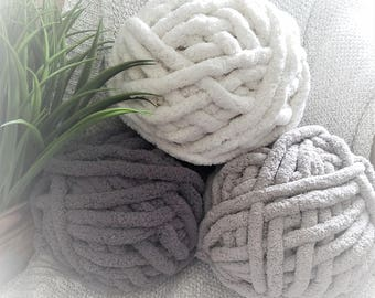Chenille Yarn, 100% Polyester, Vegan, Chunky Yarn, Jumbo Yarn, Black Yarn, White Yarn, Gray Yarn, Knitting Materials, Blankets
