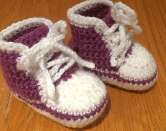 Cute crocheted converse sneakers