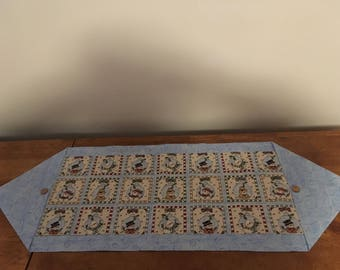 Snowman table runner (blue)