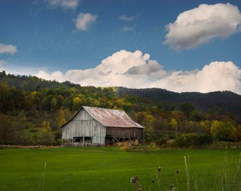 Old barn in the mountains West Virgina