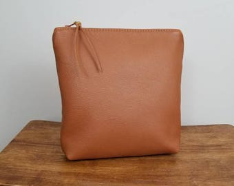 Ashley Makeup Bag ~ Tan Leather Makeup Bag ~ Leather Cosmetic Bag ~ Zipper Pouch ~ Ready to Ship