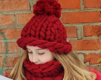 brand new hand-made hat+scarf HELSINKI 100% wool knitted lady's CHUNKY BULKY yarn