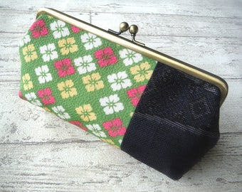 Gamaguchi Purse with Japanese Kimono fabric, Size Large, Green