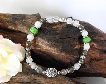 Natural Labradorite, Amazonite, White Agate, Pyrite & Green Howlite healing gemstone stretch bracelet with Daisy spacer.