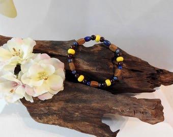 Natural Lapis Lazuli, Garnet & Yellow Howlite healing gemstone stretch bracelet