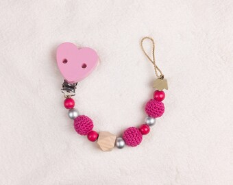Pacifier Pink with Häckelperlen and motif pearl