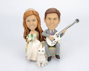 wedding cake topper,Sitting and playing guitar on the cake,Musician wedding,With your   pet,Custom bobble head,Wedding party decoration