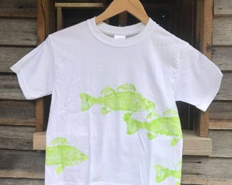 KIDS bright green FISH hand printed cotton t-shirt, size 6-8.