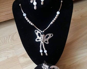 Necklace set, earrings and bracelet