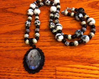 Black and white necklace.Black necklace, White necklace, Long necklace, Beaded necklace, Pendant necklace, Pendant, Necklace, Jewelry,