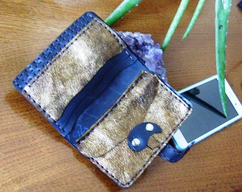 Wallet man-woman handcrafted/Hand Made in leather gold and rubber. One Piece!
