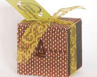 Gift box with 3 natural soap bars - Vegan friendly options - paraben free- palm free- sls free
