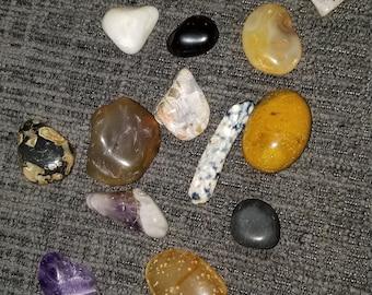 Set of 16 rocks
