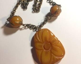 Beautiful Yellow Bakelite Pendant Necklace