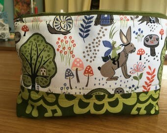 Essential Oil Bag, Zipper Pouch, Woodland creature fabric, Padded Bag, Oil Carry Case, 14 bottle storage, 5 and 15 ml storage bag, oil case
