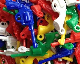 SALE 10pcs PLASTIC GUN Charms Vintage Gumball Prize