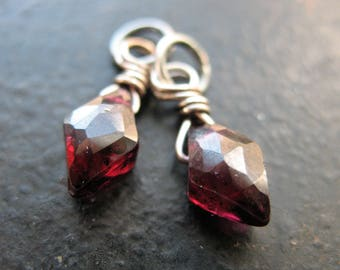 Faceted Garnet Diamond Briolette Bead Charms - 15x5mm - 1 Pair