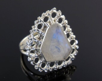Moonstone sterling silver ring - size 8.75