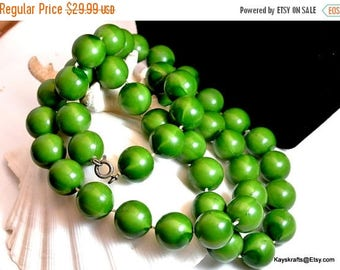 July 4th Sale Green 28 Inch Bead Necklace Vintage Bead Necklace Vintage Retro Costume Jewelry Long Green Bead Necklace Free Shipping in USA
