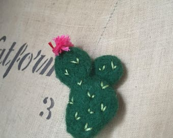 Needle Felted Cactus Cacti Brooch Badge Pin Green