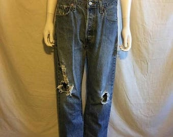 Closing Shop 40%off SALE Levis jeans 501 W 33  waist