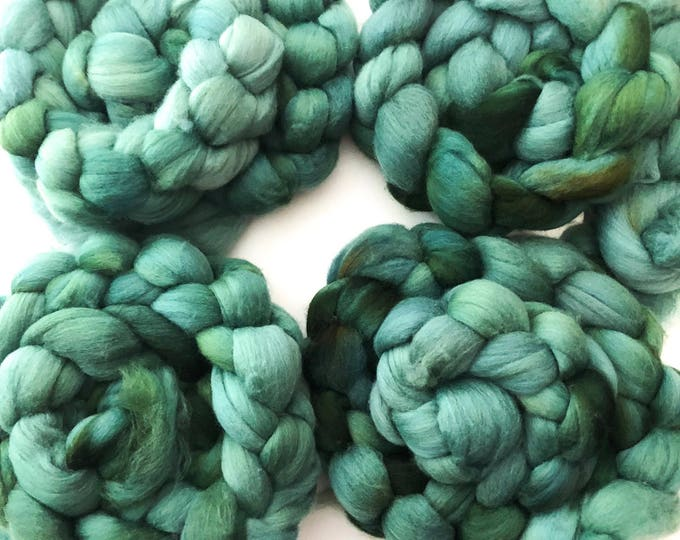 Kettle dyed merino wool top. Super soft  19.5 micron count. 4oz. braid. Seaweed