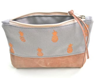 Leather and Canvas Zipper Pouch / Pineapple