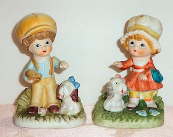 HOMCO 2 Figurines 1430 Girl Boy Dogs Puppy Big Hats Hand Painted Porcelain