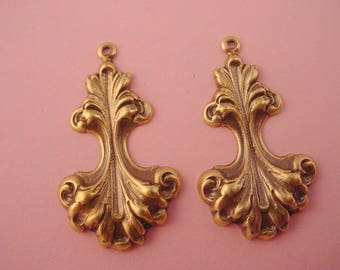 4 brass ox art nouveau  rococo swirl pinched charms 32mm