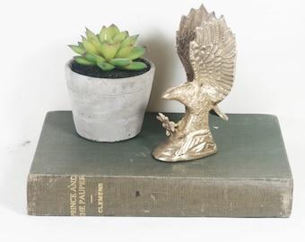 Vintage Brass Eagle Figurine / Paperweight / Bird Decor