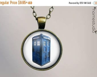 ON SALE - Doctor Who : Glass Dome Necklace, Pendant or Keychain Key Ring. Gift Present metal round art photo jewelry by HomeStudio