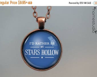 ON SALE - Stars Hollow sign : Gilmore Girls Necklace, Pendant, Gilmore Girls Keychain Key Ring. Gift Present metal glass round jewelry
