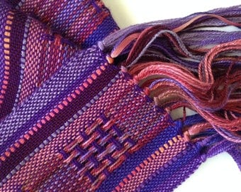handwoven deep purple melody scarf