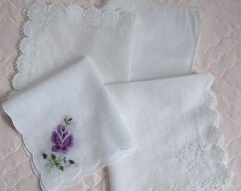 lot of hankies . 4 hankies . 4 white vintage hankies . lace hankies . wedding hankies