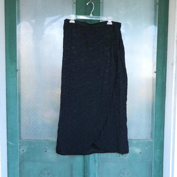 FLAX Engelhart Fall 2001 Royal Wrap Skirt -M- Black Rayon Reverses to Quilted Linen