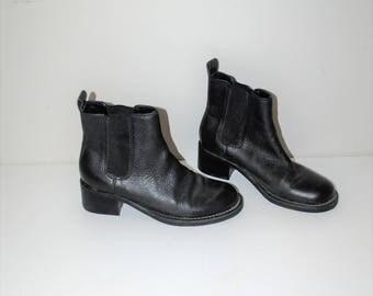 black leather chelsea boots 90s minimalist slip on elastic shaft ankle booties chunk heel boots size 6.5