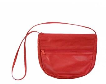 80's CANDY APPLE RED purse // simple vintage bag // shiny soft leather // shoulder bag