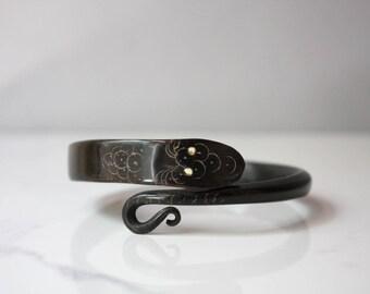 Victorian Snake Bracelet / Antique Carved Horn Snake Bangle / Black Horn with Inlay Eyes Snake Bracelet