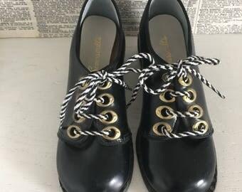 Vintage children's dress shoes black gold heel lace up 1970s unworn