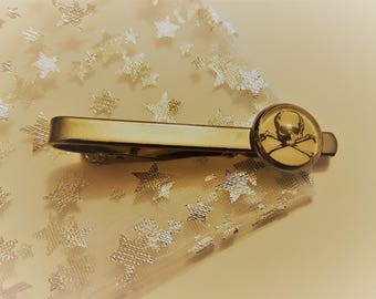 Skull and Crossbones Pirate Steampunk Inspired Tie Clip Kravat Clip