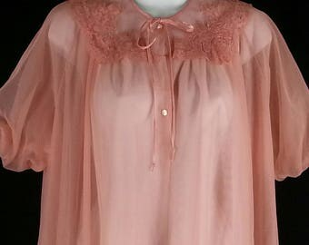 Van Raalte coral pink chiffon peignoir sheer robe lounger labeled size 32 with much more room than that chest 44