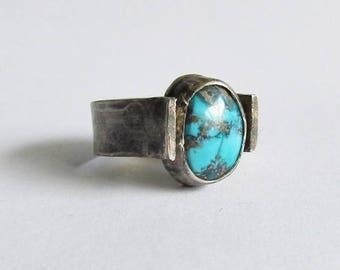Arizona Turquoise Ring with Hammered Band - Size 8 Ring - 25th Anniversary Gift - December Birthstone - Arizona Mine Turquoise