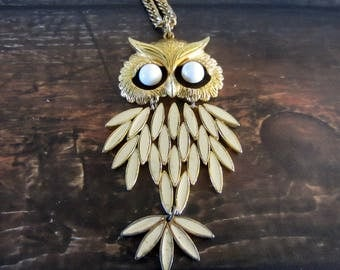 Vintage articulated owl pendant necklace with enameled feathers