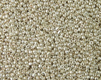Glass Seed Bead 15g 12/0 Silver Green Electroplate Round 1mm (1016see12m-01-15)