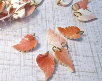 20% OFF SALE Carved Leaf Natural Pink Shell Pendant Charms Beads, Natural Pink Conch Shell Tiny Leaves Leaf Charm, QTY2 Pair ,#316I