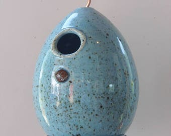 Bonnet Blue - Highfired stoneware clay Birdhouse