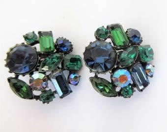 Vintage Signed CLAUDETTE Prong Set Green Blue & Aurora GLASS Clip EARRINGS
